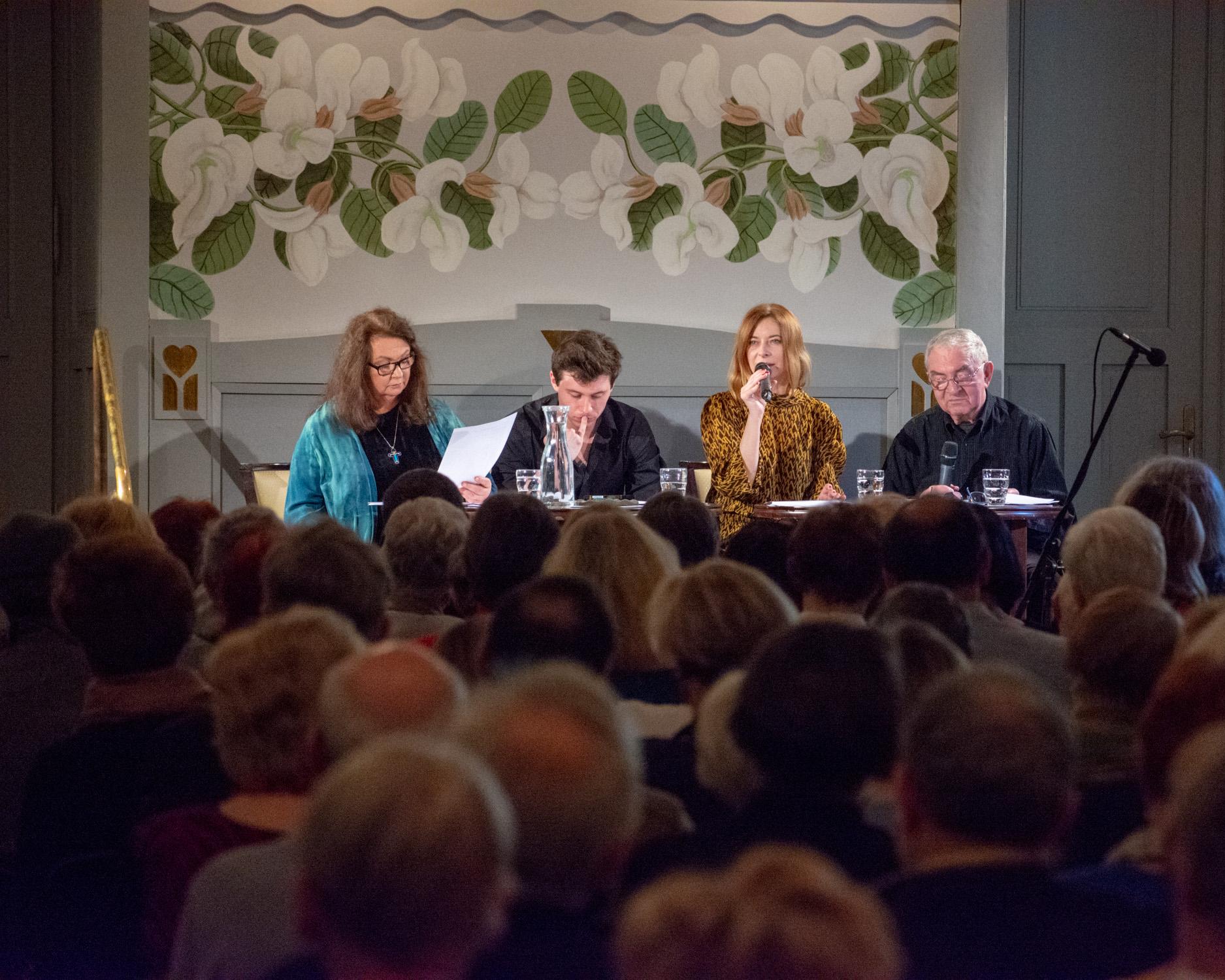 Krakowski Salon Poezji – program na luty