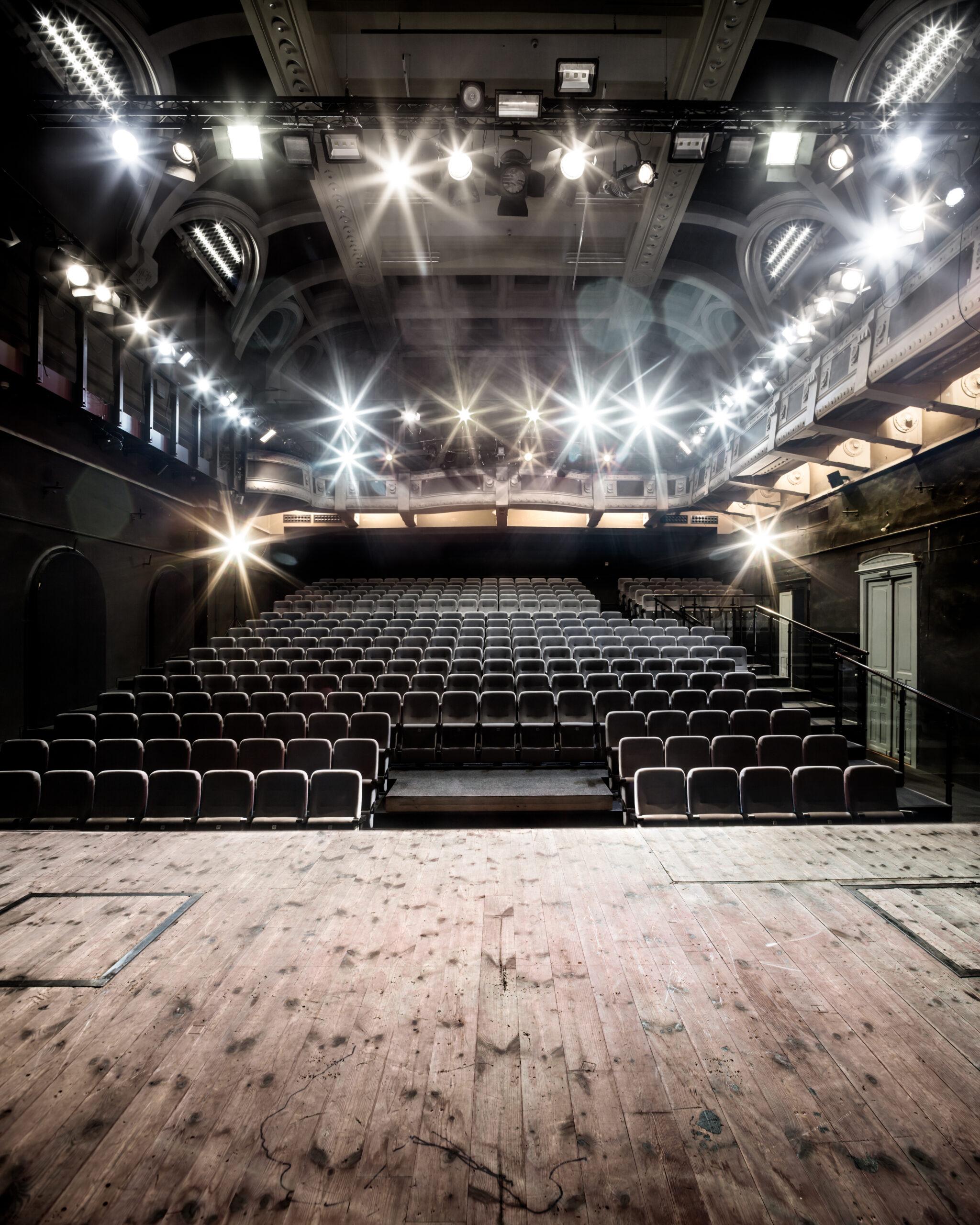 Stary Teatr Online w maju
